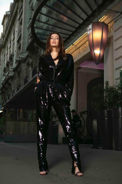 L'Oréal Paris Pakistan Spokesperson #MahiraKhan at Paris Fashion Week - ... (1)